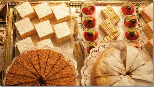 vienna-demel-pastry-592mfk080410[1]